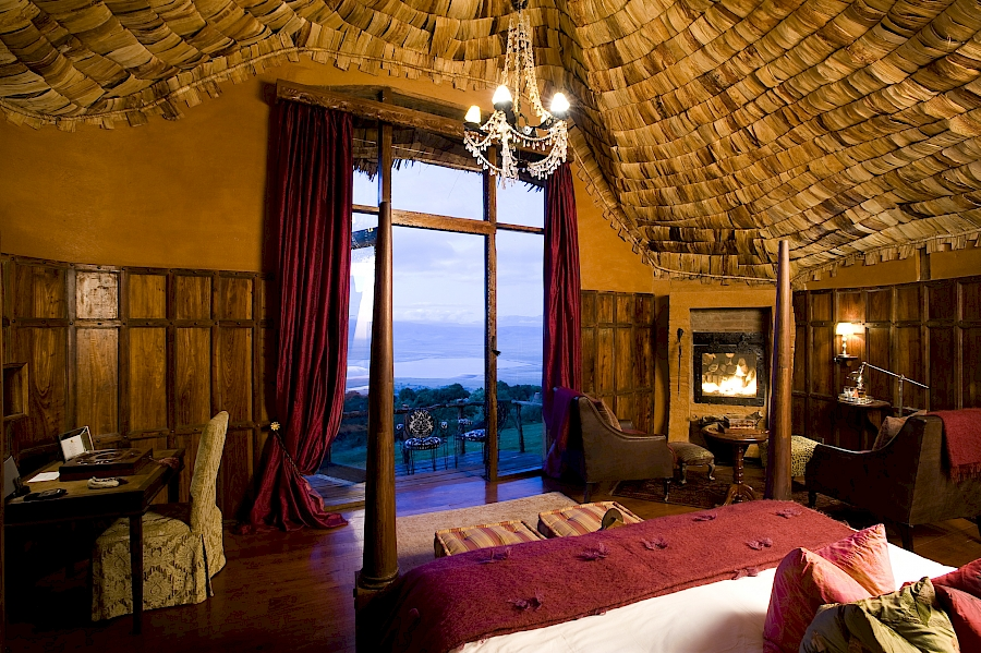 LUXUSREISEN - TRAVEL IN LUXURY  TANSANIA_LUXUS SAFARIS TANSANIA**TREASURES OF TANZANIA, NGORONGORO CRATER LODGE
