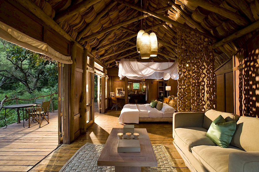LUXUSREISEN - TRAVEL IN LUXURY  TANSANIA_LUXUS SAFARIS TANSANIA**TREASURES OF TANZANIA, LAKE MANYARA TREE LODGE